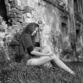 W ruinach